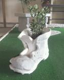 Portavaso Scarpone in graniglia di Marmo di Carrara e cemento bianco