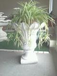 Portavaso Tulipano in graniglia di Marmo di Carrara e cemento bianco