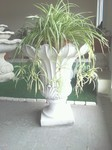 vaso tulipano in graniglia di marmo bianco di carrara