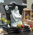 Lapide in Labrador Nero e Statua in Polvere di Marmo