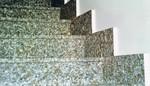 Rivestimento scala in granito Rosa Ghiandone